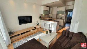 Directreal ponúka 2-izbový byt v centre Starého mesta s balkónom, výťahom, klimatizáciou a možnosťou