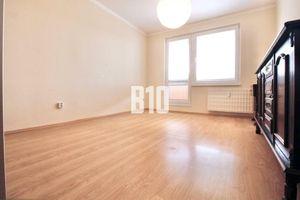 3 izbový byt s loggiou - sídlisko JUH -pôvodný stav