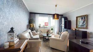 HERRYS - Na predaj pekný veľmi dobre dispozične riešený 4-izbový byt s 2 lodžiami v tichej a zelenej