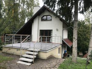 Chata v rekreačnej oblasti nad Suchovskou priehradou.