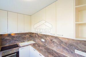 Slnečný a zrekonštruovaný 3i byt