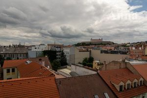 Na predaj 3 izbový byt (trojizbový), Bratislava - Staré Mesto