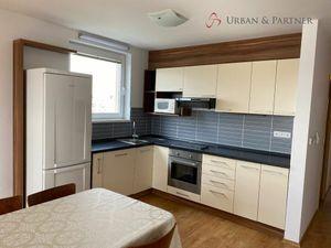 Prenájom 4 izbového bytu v novostavbe so státiami na Čaklovskej ulici v Ružinove