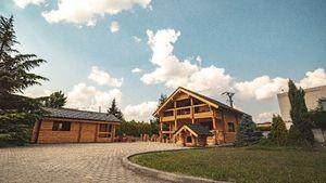 Zrubová celodrevená chata z ruskej borovice na rekreačné bývanie, VIDEOprezentácia