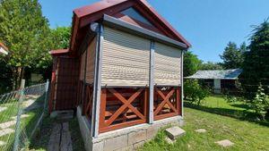 Ponúkame na predaj krásnu drevenú chatku so záhradkou v NZ