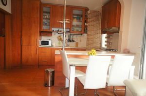 zariadený 3 izb. byt na ul. Haburská, Ružinov, balkón + možnosť dokúpiť garáž