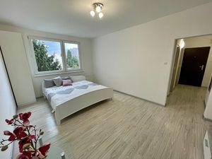 Na predaj 1 izbový byt (jednoizbový), Bratislava - Dúbravka
