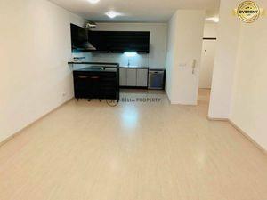 Veľký 2 - izb. byt na prenajom,parkovanie, Martinčekova - BA Ružinov