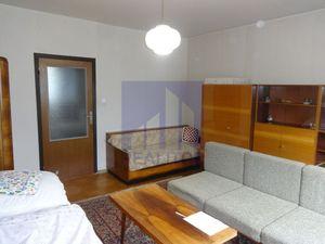 PREDAJ, 3 izbový byt BREZNO, ulica 9. mája, 62 m2, lodžia