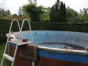 MAXFIN REAL -  NA PREDAJ chata s bazénom v Nových Zámkch