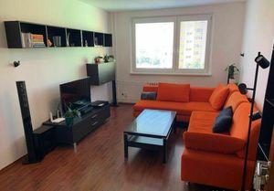 Slnečný zrekonštruovaný 3-izbový byt v Petržalke