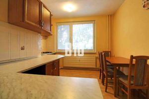 2 a pol izbový byt  s balkónom- Nitrianska ulica