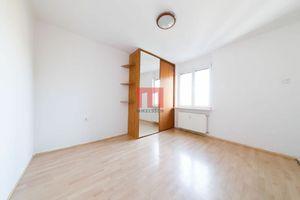 Na predaj príjemný 1 izbový byt s výhľadom do tichého dvora na rozhraní Nového so Starým Mestom