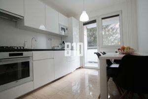 Rezervované - 3 izbový veľký veľmi pekne prerobený byt, nepriechodné izby!