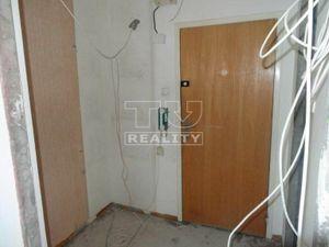 Na predaj 1 izbový byt (jednoizbový), Banská Bystrica