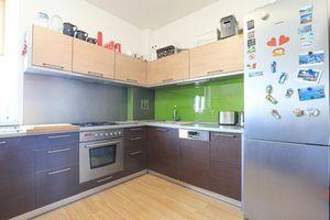HERRYS - Na prenájom priestranný 2 izbový byt v Novom meste v blízkosti štadióna Tehelné pole
