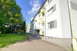 TOP - 2i byt s balkónom v Nemšovej - 53m2