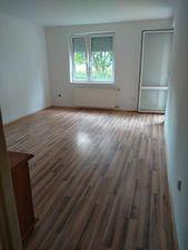 2.izbový byt na sídlisku Nová Ves, platba len v hotovosti