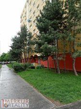 Predaj veľký 4 izbový byt  v Petržalke ul. Viglašská zasklený balkón