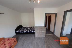 EXKLUZÍVNE na DLHODOBÝ PRENÁJOM 1 izbový byt, Tulská , Banská Bystrica