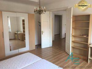 Prenájom pekného  veľkého 4i bytu na Mickiewiczovej ul.