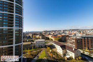 Prenájom  novostavba 2 izbový SKY Park Staré mesto, ulica Továrenská, novozariadený, s balkónom, 66