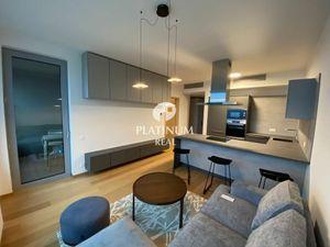 SKY PARK, 2 izb. byt, 23.p., parking, výhľad, nový nábytok
