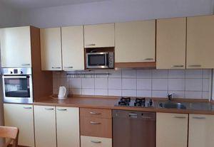 Zariadený 3- izbový byt s klimatizáciou v Karlovej Vsi