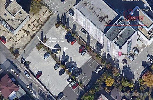 P R E N Á J O M  parkovacie státie v Bratislave na Stromovej ulici
