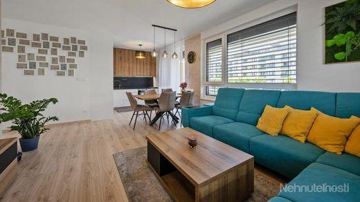 Na predaj krásny,  zariadený 3 izbový byt v bytovom komplexe  Arbória v Trnave.