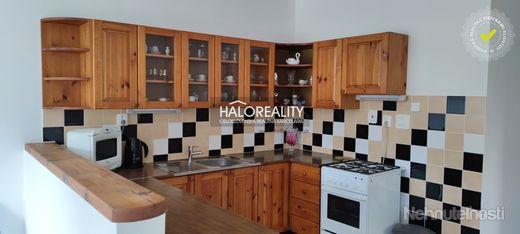 HALO reality - Prenájom, trojizbový byt Banská Bystrica - EXKLUZÍVNE HALO REALITY - obrázok