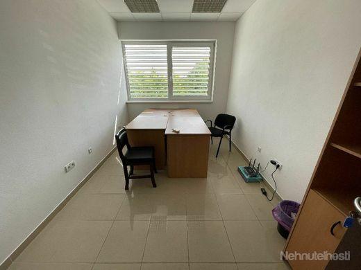 REMARCO - Kancelárske / Administratívne priestory 12 m2 - Trnava - Zavarská