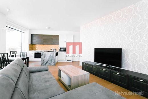 Na prenájom zariadený 3 izbový byt v novostavbe PANORAMA CITY s dvomi garážovými státiami - obrázok