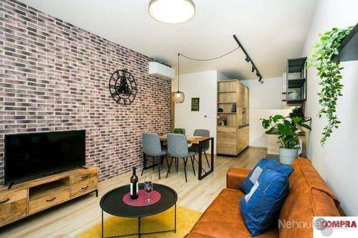 2 izb. atraktívny zariadený byt s parkingom v Dunajskej Lužnej - obrázok