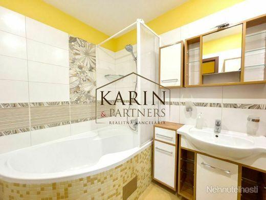 REZERVOVANÉ! Slnečný priestranný 3 - izbový byt v meste Holíč - obrázok