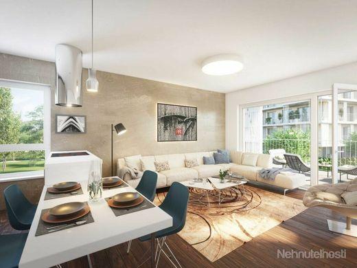 HERRYS - Na predaj 3 izbový byt s predzáhradkou v projekte Nový Ružinov