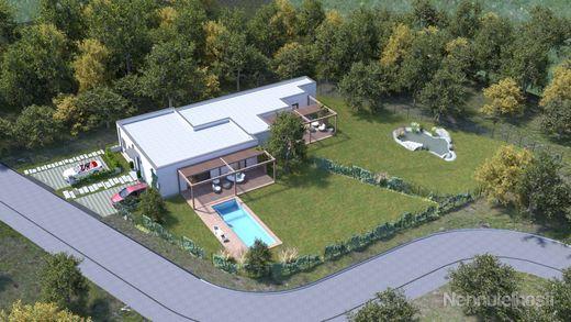 Nadštandartný dom s krásnou záhradou 4 izby, 130m2