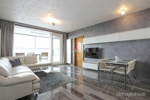 HERRYS - Na prenájom moderného a nového 3 izbového bytu na 30 p. s výhľadom na Bratislavský hrad v p
