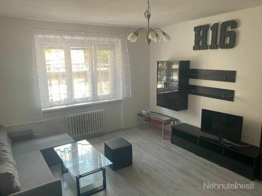 PRENÁJOM, veľký 2 izbový zariadený byt v centre mesta neďaleko Trnavského Mýta na Moravskej ulici - obrázok
