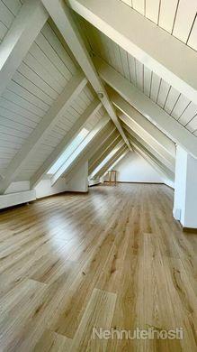 NA PREDAJ: Veľký nadštandardný  4 izbový byt  o výmere 137  m2  s  výnimočnou atmosférou
