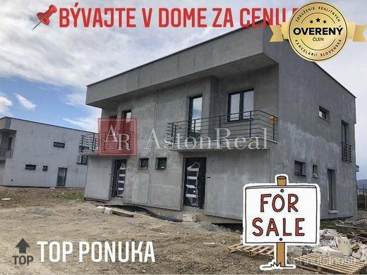 Moderné 4-izbové rodinné domy v obci Beluša-Podhorie- 300m2 pozemok