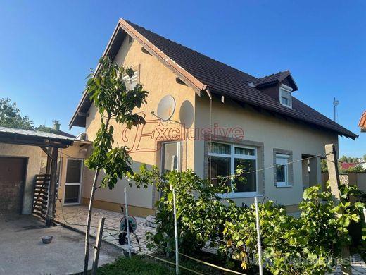 Pekný, vidiecky 4 izbový rodinný dom  v blízkosti Dunaja