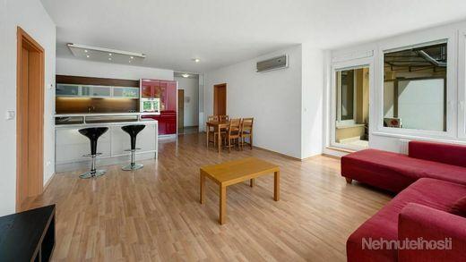 Veľký 3 izbový byt s terasou v Bratislave - Rača s parkovacím státím