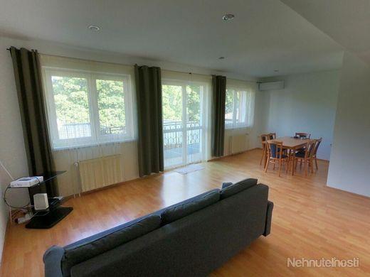 Veľký 3-izb. byt s terasou pri OC Vivo, energie a internet v cene - obrázok