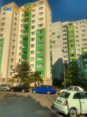 EXKLUZÍVNE Trojizbový byt v Petržalke na predaj - obrázok