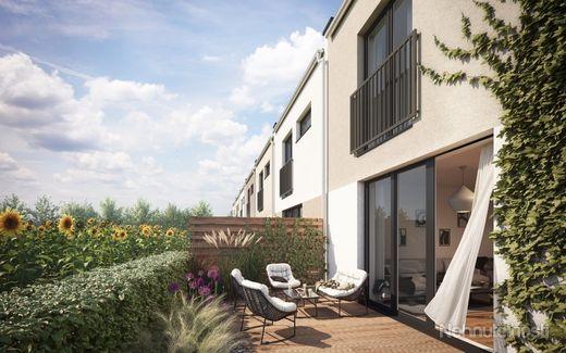 ČEREŠŇOVÁ ALEJ OPOJ - 4-izbový dom č.10 s nenáročnou starostlivosťou, akoby ste mali väčší byt