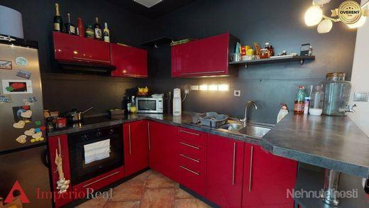 Zrekonštruovaný 3 izbový byt vo výbornej lokalite - obrázok