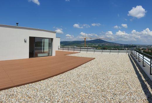 Exkluzívne 4i penthouse s obrovskou terasou a výhľadom na Nitru - obrázok