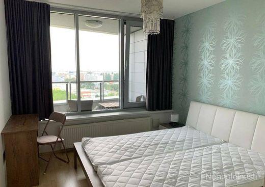Prenájom 2 izb. bytu , Bratislava - Ružinov , Bajkalská ul.