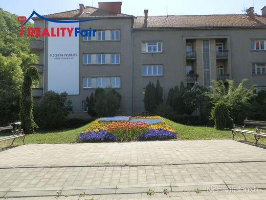 PREDAJ - 4 izbový byt - centrum Banská Bystrica - obrázok